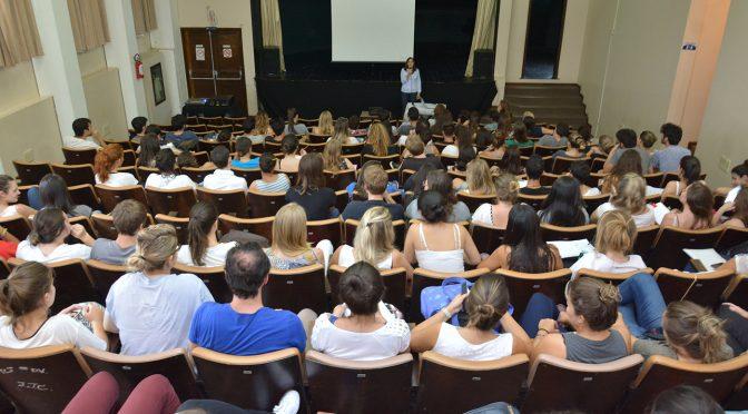IPLAN e alunos da PUC-PR debatem soluções urbanísticas