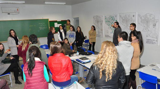 IPLAN promove oficina cartográfica para alunos da UEPG