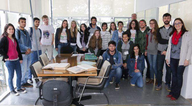 Iplan recebe visita técnica de acadêmicos da UEPG